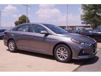 SE trim. EPA 36 MPG Hwy/25 MPG City! Back-Up Camera,