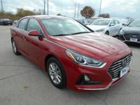 SE trim. EPA 36 MPG Hwy/25 MPG City! Aluminum Wheels,