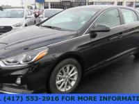 Gray Cloth. Phantom Black 2018 Hyundai Sonata SE 4D