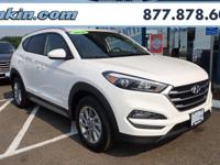 2018 Hyundai Tucson SEL White AWD. 26/21 Highway/City