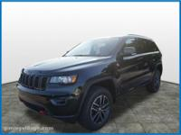 2018 Jeep Grand Cherokee Trailhawk 4WD.  Options:  10
