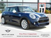 MINI Yours Lapisluxury Blue exterior and Leather Lounge