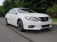 2018 Nissan Altima 2.5 SV Glacier White CVT with