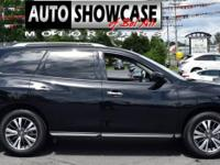 This 2018 Nissan Pathfinder 4dr 4x4 SL features a 3.5L