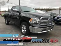 Brilliant Black Crystal Pearlcoat 2018 Ram 1500 SLT