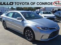 Silver 2018 Toyota Avalon XLE 30/21 Highway/City MPG