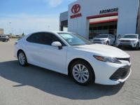 Ash Cloth. 2018 Toyota Camry LE 4D Sedan Super White