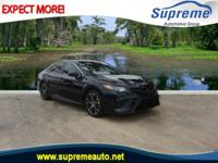 CARFAX One-Owner. Green 2018 Toyota Camry SE FWD