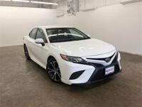 Wind Chill Pearl 2018 Toyota Camry SE FWD 8-Speed