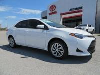 2018 Toyota Corolla LE 4D Sedan Super White 36/28