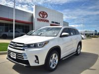 Pearl 2018 Toyota Highlander Limited FWD 8-Speed