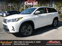 This 2018Toyota HIGHLANDER Limited Platinum will sell