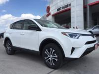 Super White 2018 Toyota RAV4 LE FWD 6-Speed Automatic