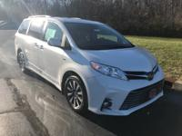 Blizzard Pearl 2018 Toyota Sienna XLE 7 Passenger AWD