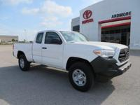 2018 Toyota Tacoma SR 4D Access Cab Super White   We