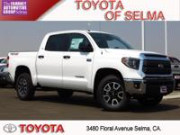 2018 Toyota Tundra 4D CrewMax Super White 4WD i Force