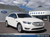 White Platinum Metallic Tri-Coat 2018 Ford Taurus