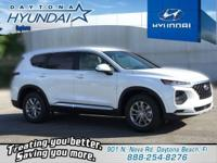 White 2019 Hyundai Santa Fe SE 2.4 FWD 8-Speed