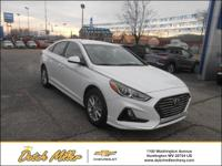 2019 Hyundai Sonata SE Cloth. 26/35 City/Highway MPG