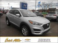 2019 Hyundai Tucson SE AWD.  Options:  Axle Ratio: