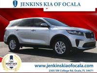 Scores 29 Highway MPG and 22 City MPG! This Kia Sorento