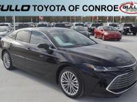 Opulent Amber 2019 Toyota Avalon Limited 22/31