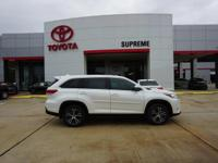 Blizzard Pearl 2019 Toyota Highlander LE Plus FWD
