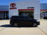 Black 2019 Toyota Highlander XLE FWD 8-Speed Automatic