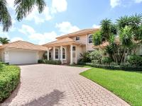 Spacious 4 bedroom home with 4.5 baths, over sized 2