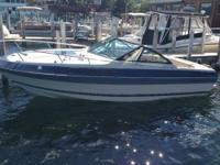 2000 20ft Pontoon Boat in great condition. Has a 50hp