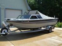 Satisfy call boat proprietor Greg at . 1990 Sylvan 21'