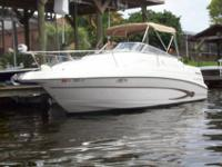 2003 Glastron 249GS with very low hours. (160 total