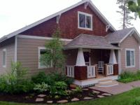 Birdwatcher's Haven is a 3 bedroom 3 bath home in a