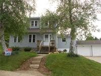 CUTE CONTEMPORARY CAPE COD! If you are looking for a