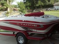 2011 Tahoe Q5 Ski/Fish boat, Just like NEW / Garage