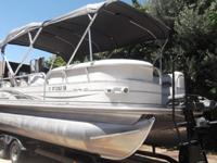 Highly under used 22' Suntracker Regency Pontoon Boat.