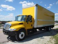 "International 4300 26' x 102"" Box Truck for Sale, 2006,"