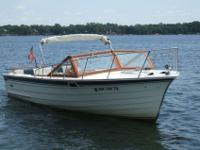 * A wonderful 26' all wood classic day cruiser