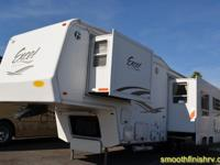 Beautiful Floor Plan 2002 EXCEL 5Th Wheel by Peterson