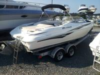 This 2006 Larson 226 Senza is a great boat for the