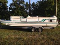 1991 22' Hurricane Deck Boat with 1996 200 hp Mariner