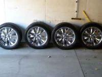 22 inch wheels and tires. The rims are Cruiser alloys,