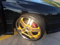 I'm offering my 22's Merceli M6 wheels. Rims are about
