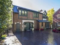 ''The Coach House'' Extraordinary detached carriage