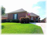WELL MAINTAINED 5 year old home in Prairieville close