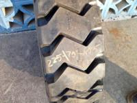 225/75R15 / 28x9R15 Michelin XZM Bobcat Skid Steer
