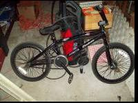 I am selling my Eastern Bikes Atom Jane 2004. The bike
