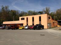Block Industrial structure with ample office and space