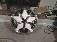wheels are 22x9 35mm offset bolt pattern is 5x112 and