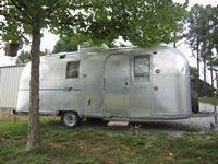 For Sale, 22ft. Airstream Safari Camper with good TN.